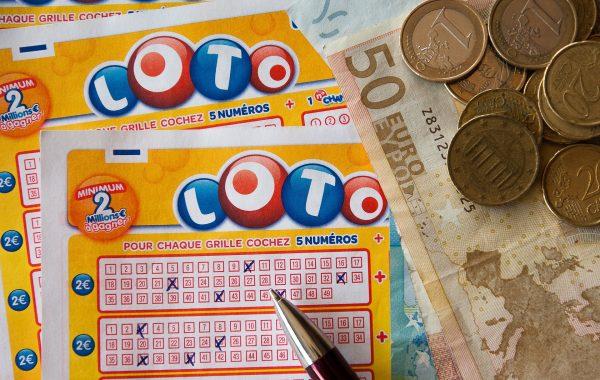 voita isosti lotosta 600x380 - Suosituimmat lottopelit